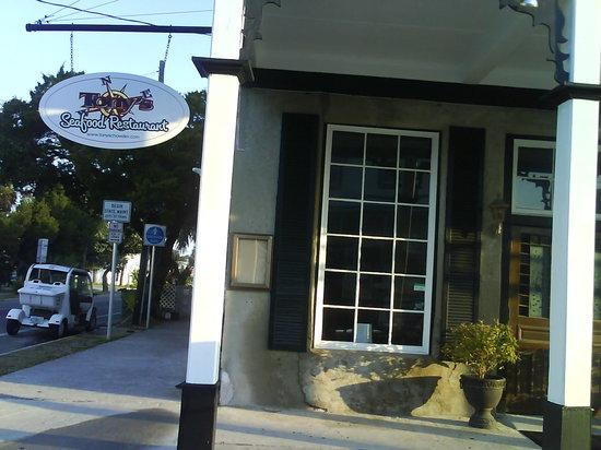 Tony's Seafood Restaurant: Tony's