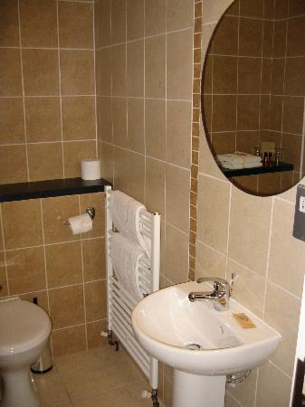Deebert House Hotel: bathroom