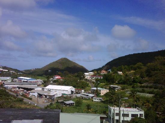 أليز إن: View from bedrrom balcony