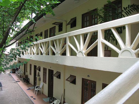 Embudu Village: exterior