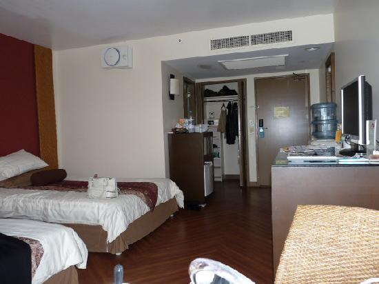 Guam Reef & Olive Spa Resort: Room