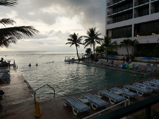 Guam Reef & Olive Spa Resort: Sunset
