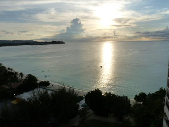 Guam Reef & Olive Spa Resort: Sunset from balcony