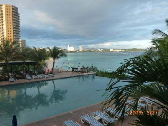 Guam Reef & Olive Spa Resort: Hotel pool