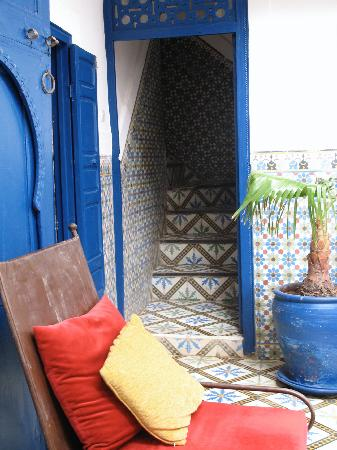 Riad El Az: Entrance to stairs to upper rooms