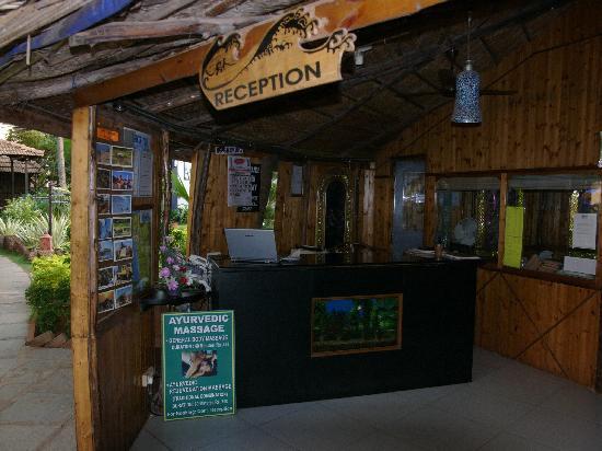 Santana Beach Resort: Main Reception