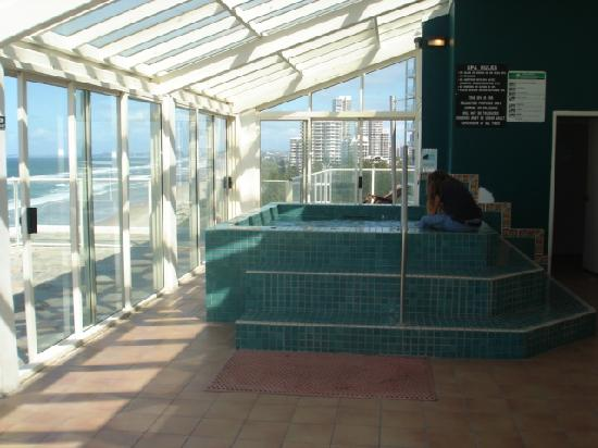 Beachfront Viscount: rooftop spa