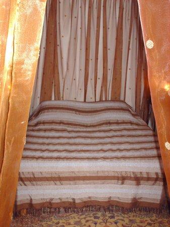 La Colle sur Loup, França: Room inside