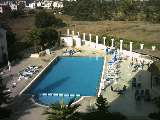 Mountain View Hotel & Villas: view of pool from top floor balcony