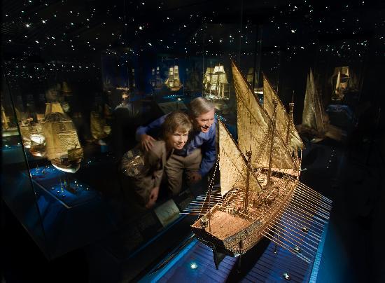 นิวพอร์ตนิวส์, เวอร์จิเนีย: Mariners' Museum Newport News Virginia _Crabtree collection of miniature ships