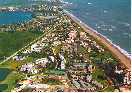 Isla Hutchinson, FL: Ocean Village Areal view