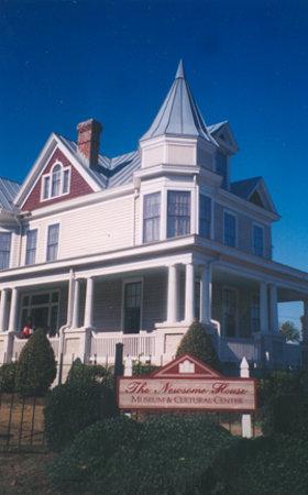 Newport News, VA: The Newsome House Museum and Cultural Center Newport Nws, Virginia