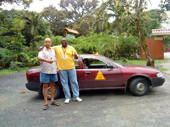 Hotel Playa Westfalia: My husband with Reymond ready for our Cahuita tour!