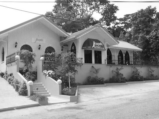 Joseph's: the entrance of the restaurant in black and white