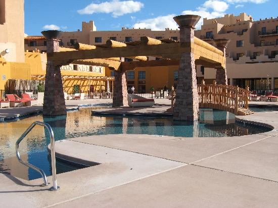 Hilton Santa Fe Buffalo Thunder: outdoor pool