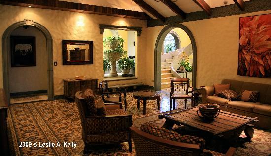 1915 Hotel: Hotel 1915 Lounge Atrium