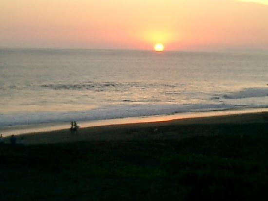Hermosa Beach House: sunset