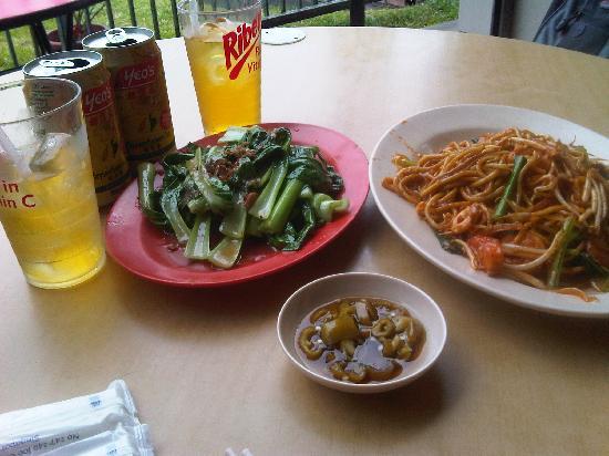 Eng Seng Restaurant : mie goreng for completing