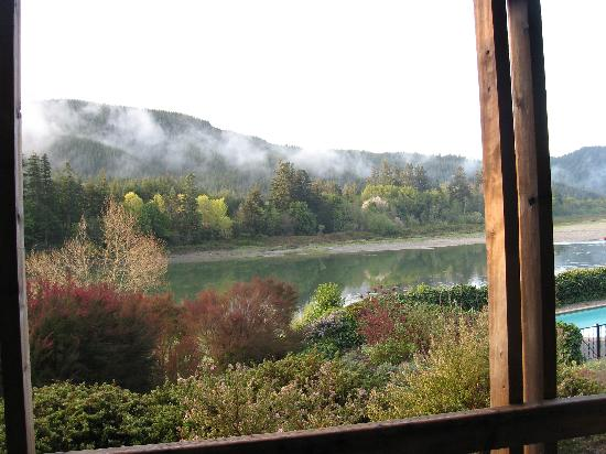 Tu Tu Tun Lodge: Morning view of teh river