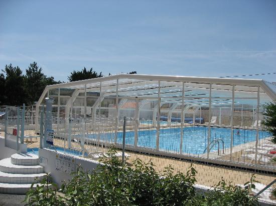 Camping La Tour des Prises : piscine