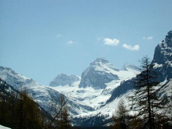 Hotel Boule de Neige : La Granta Parey (3387 m): ambita meta di molti alpinisti