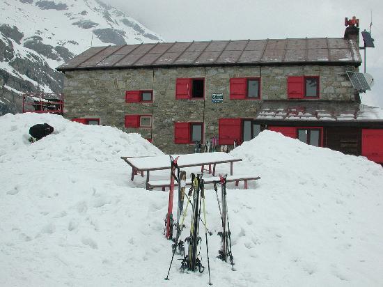 Hotel Boule de Neige : Rifugio Benevolo (2285 m)