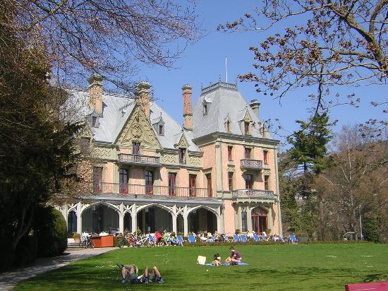 Schloss Schadau, the terrace, and the park