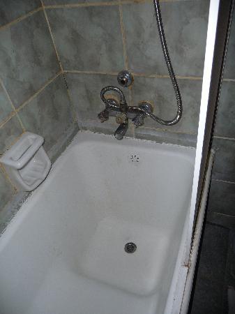 Kecik: Bañera ducha casi impracticable