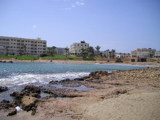 Pernera Beach Hotel: Bay next to Hotel