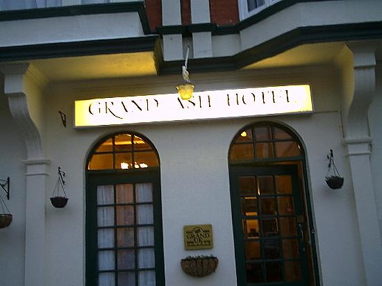 The Grand Ash: Front entrance