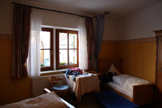 Hotel Garni Kreuzerhof: our room