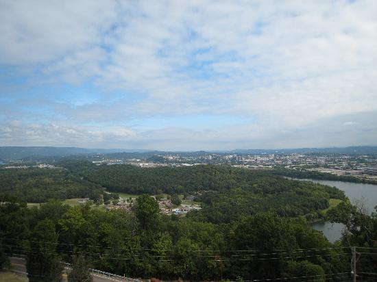 Holiday Inn Express Hotel and Suites Chattanooga-Lookout Mountain: View of the city from the overlook at Ruby Falls