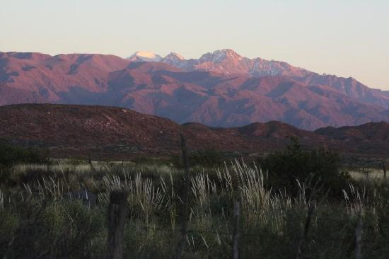 Tierras Blancas Ecotourism: Mountain view from bedroom late March