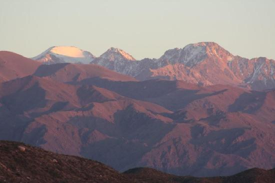 Tierras Blancas Ecotourism: Closeup view of mountains from bedroom