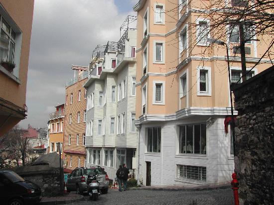 Ada Hotel Istanbul: rue calme, hotel coquet