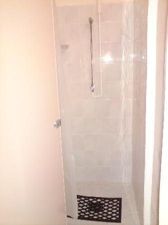 Bunchrew Caravan Park: Ladies showers
