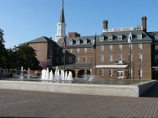 Alexandria, VA: Market Square and City Hall