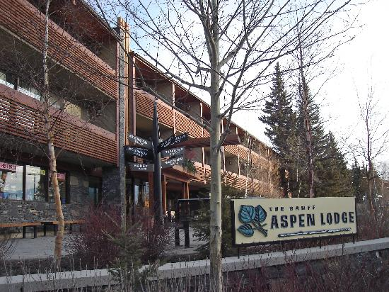 Outside View Picture Of Banff Aspen Lodge Banff
