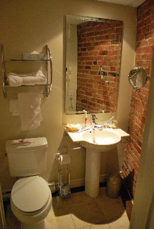 Hotel Le Vincent: Bathroom