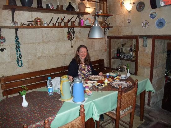 Antik Belkis Han : The breakfast room