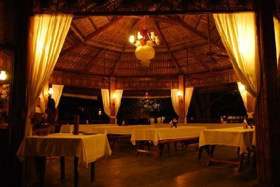 la luz dining area