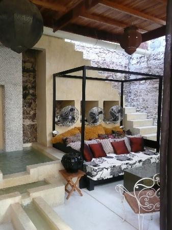 Hotel Casa Lola: Patio