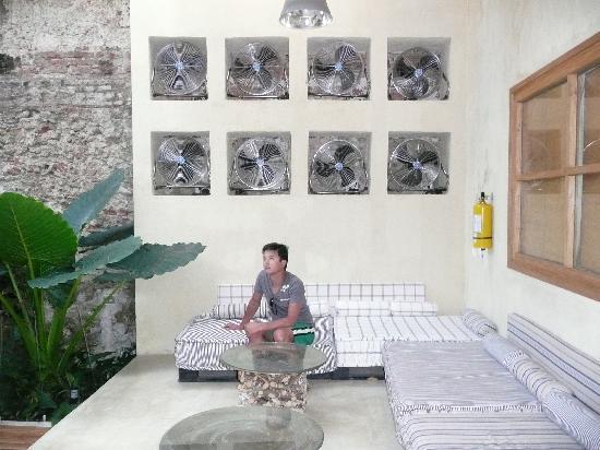 Hotel Casa Lola: Lounge corner