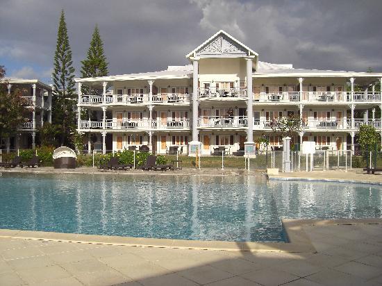 Résidence La Plantation & Spa: facade hotel coté piscine