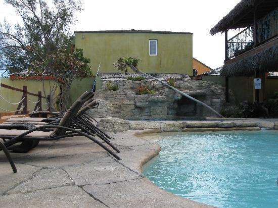 Marley Resort & Spa: Pool Area