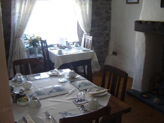 The Bay Horse Bed and Breakfast: Breakfast Room