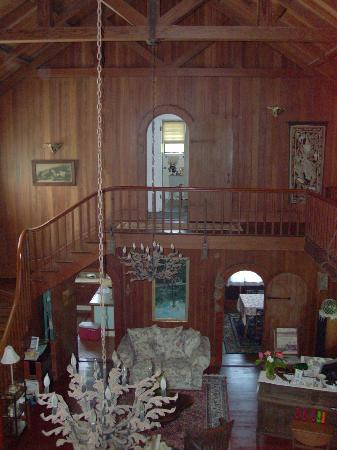 Maureen's Bed & Breakfast: inside of home