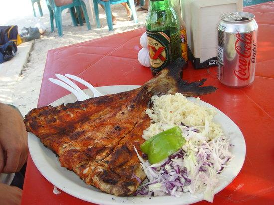 Playa Lancheros: Famous Tikin Xic smoked fish