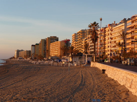 Fuengirola, Spania: Looking west
