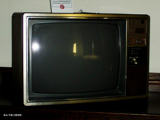 The Mountaineer Inn: The VERY old television